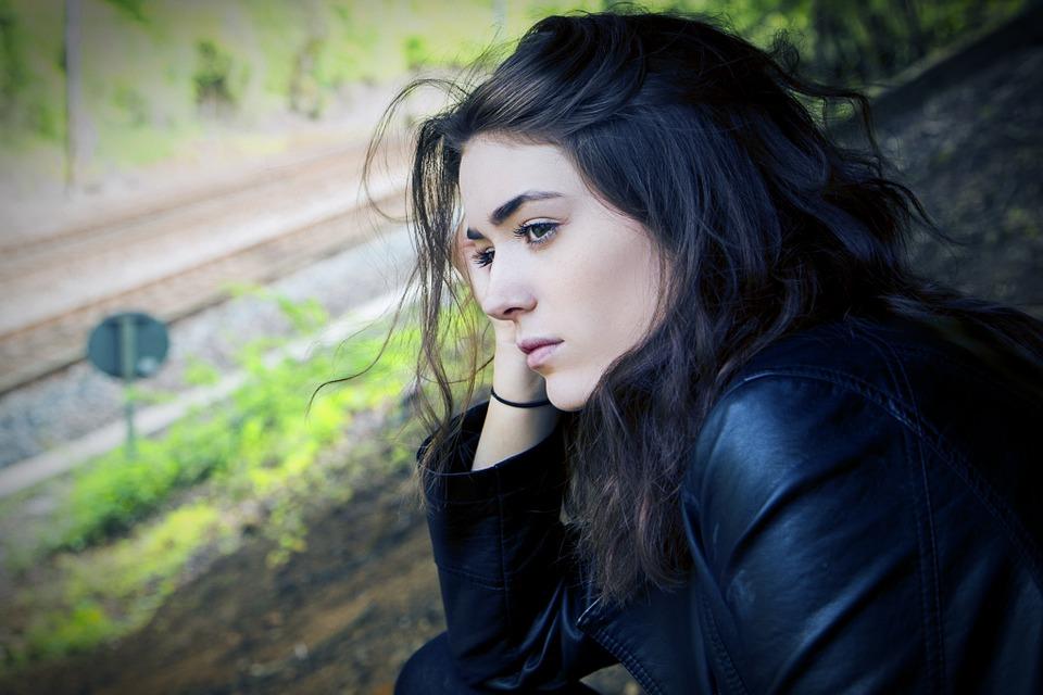 Wie du als Frau emotionale Verletzungen in Beziehungen vermeiden kannst